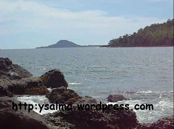 Pantai Carocok4