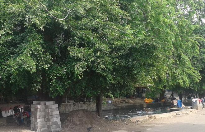 Mata Air Sodong dari seberang jalan.