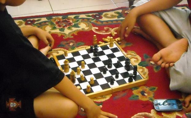 Sekali-sekali main catur :)