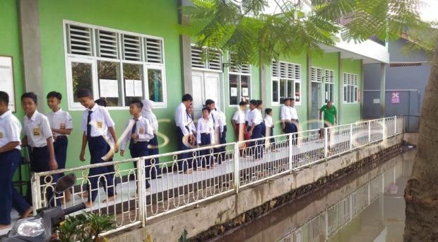Hari Pertama Sekolah SMP