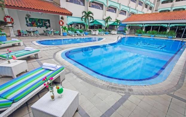 Hotel Kartika Chandra Kolam Renang