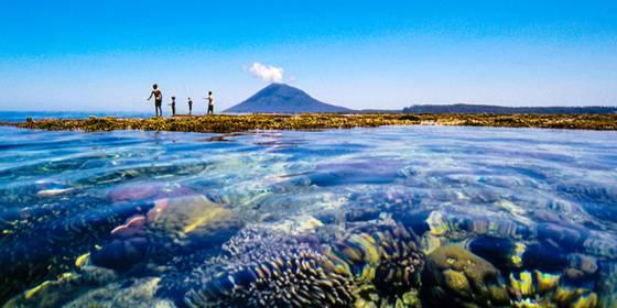 Pemandangan Laut Manado