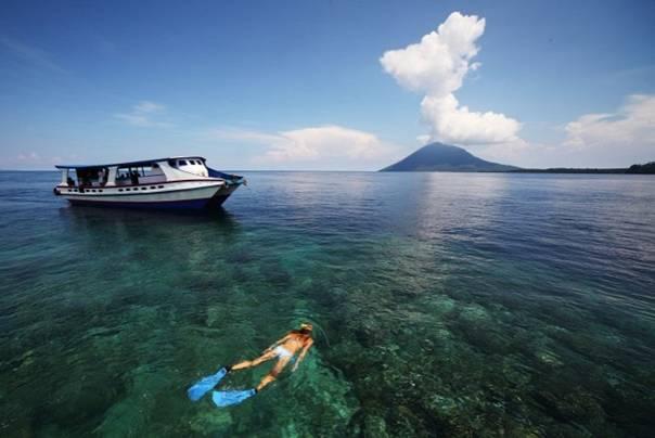 Wisata Pantai Bunaken
