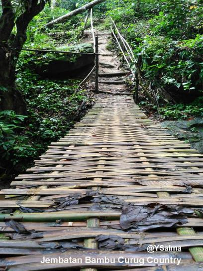 Jembatan Bambu Baru di Curug Country_YSalma