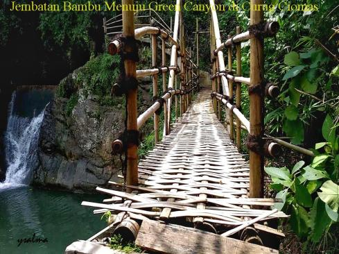 Jembatan Bambu Green Canyon Curug Ciomas_YSalma