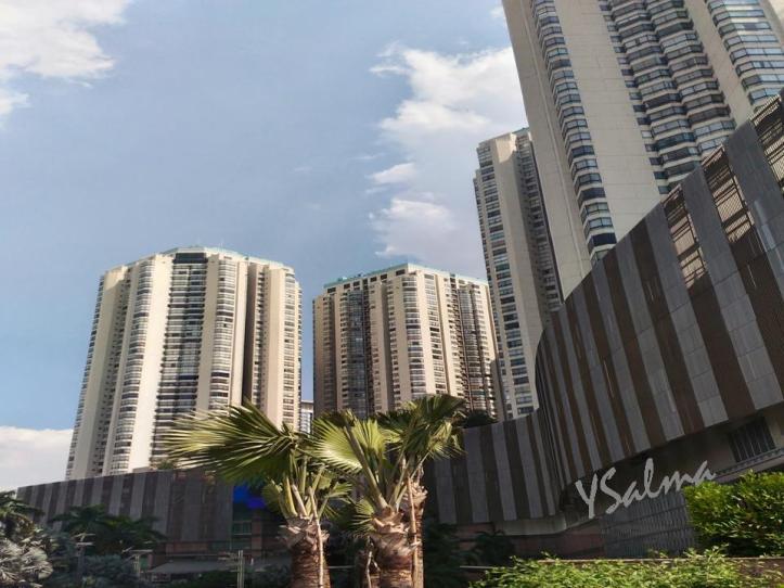 Apartemen dan Pusat Perbelanjaan Jakarta Barat
