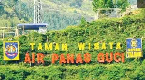 Taman wisata tegal yang hijau